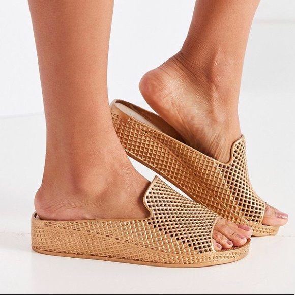 b4e1669f5748 Jeffrey Campbell Shoes - Jeffrey Campbell Fling 2 Sandals in Gold